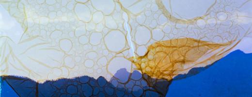 Farben und Formen in Blau und Gelb